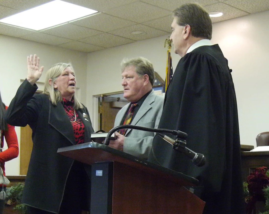 Rose Sotak being sworn in for a third term on January 1, 2017