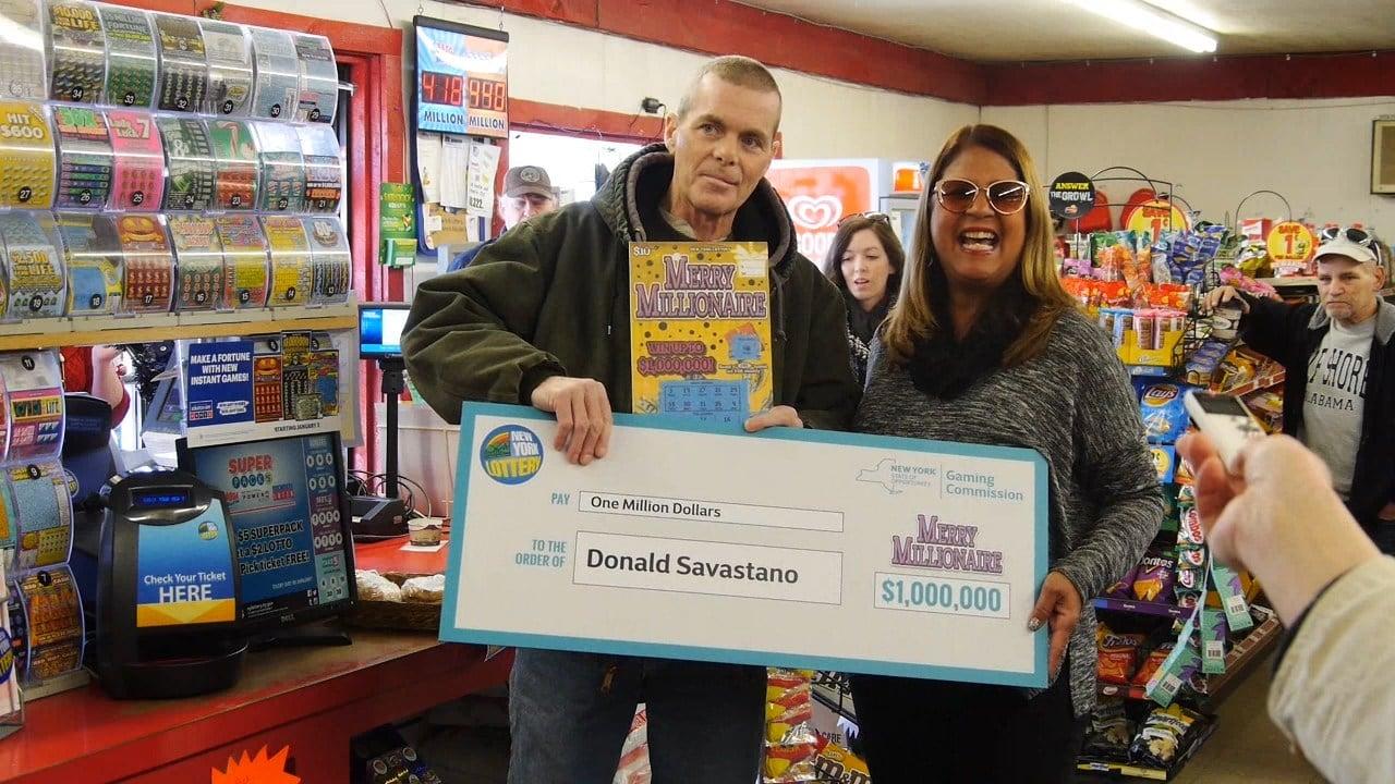 Donald Savastano memenangkan lotre 1 juta dolar