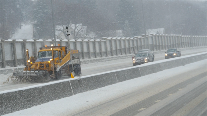 New York Bans Buses, Tractor Trailers on NYS Thruways - FOX 40 WICZ
